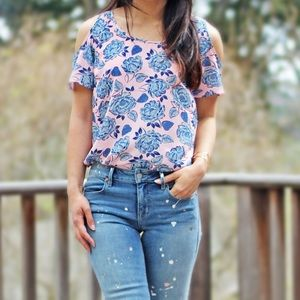 Kut From the Kloth   Cold Shoulder Top